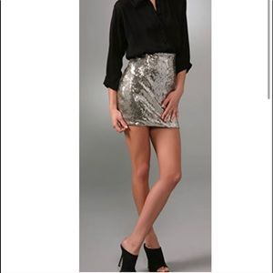 PERFECT CONDITION✨ Silk & Sequin Fitted Mini Skirt